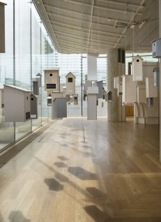 Hus for et utvalg norske fugler. Huus og Heim Arkitektur. Foto: Frode Larsen, Nasjonalmuseet