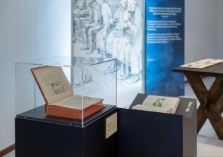 Gammel og ny utgave av Snorre. Foto: Annar Bjørgli, Nasjonalmuseet
