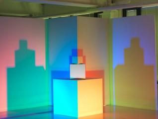 Fargeworkshop som kan brukes i formidlingsøymed. Ikke et av verkene i utstillingen. Skal monteres i eget rom. Farge: alle blandet hvit Foto: Børre Høstland, Nasjonalmuseet