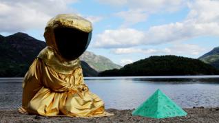 Stillbilde fra When I go out I bleed magic, 2015, video, 20 min, Ingrid Torvund.