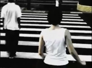 Kika Nicolela: Crossing / 9 min / 2003