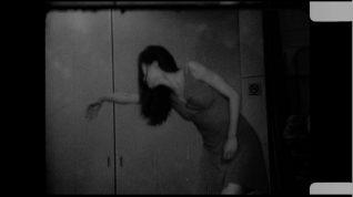Stillbilde fra Sook Hyun Kim & Hye Jeong Cho, Hold Me, 2013, 8 min