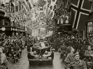 Kongens hjemkomst 7. juni 1945 Foto: ukjent /  Det kongelige hoffs fotoarkiv