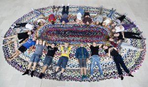 Foto: SMK Frida Gregersen. Teppet er et verk av kunstnerduoen Bank&Rau